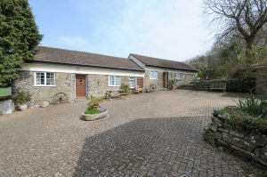 Linhay and Byre Cottage