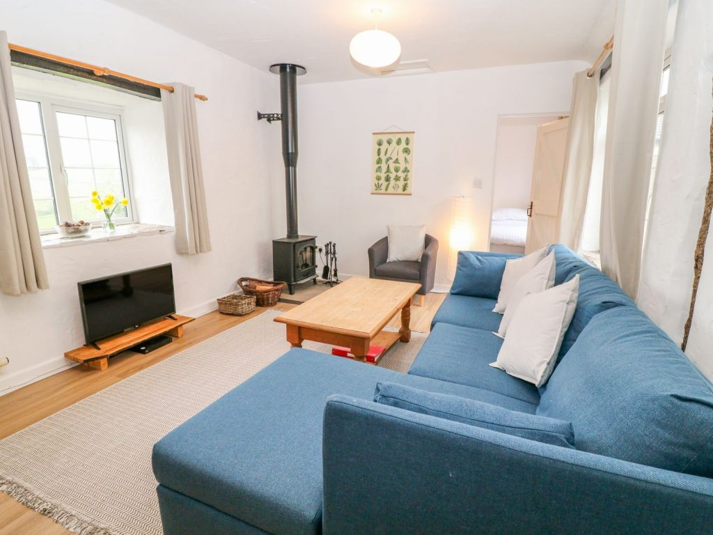 The Granary Holiday Cottage at Summercourt Cottages Looe Cornwall