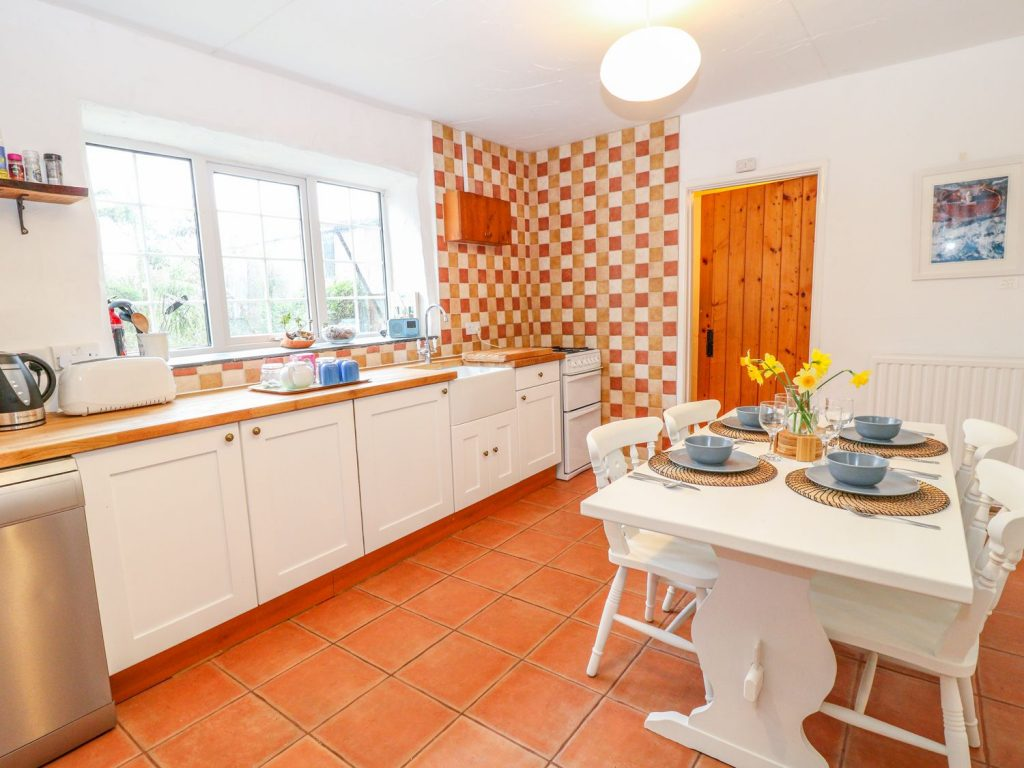 The Stables kitchen at Summercourt Cottages Cornwall
